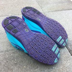 Nike Shoes - Women's NIKE FREE RUN 5.0 Athletic Running Shoes
